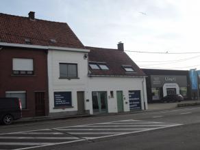 Zeer commercieel gelegen HANDELSPAND, voor alle doeleinden eventueel met woonst. Tuin en uitweg (garage) via Rotsestraat. Topligging - Brugsesteenweg