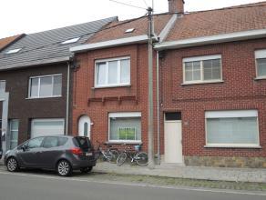 Gerenoveerde instapklare twee-slaapkamer woning met diepe tuin & garage aan de overzijde van de straat. Alle modern comfort. Beschikbaar vanaf 1 s