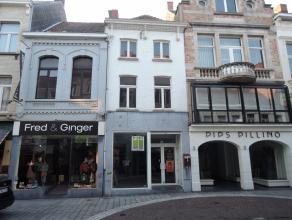 Zeer commercieel gelegen winkelpand, Ooststraat te Roeselare, onmiddellijk beschikbaar!