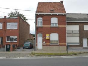 ROESELARE: knusse en gezellige woning met veranda en zeer grote tuin. 2 grote slaapkamers - garage en tuinhuis.