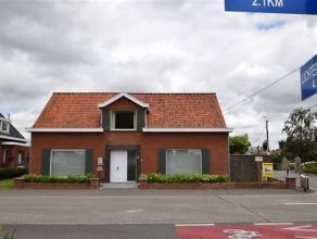 GITS: Volledig vernieuwde woning, afgewerkt met kwalitatieve materialen. Dit goed gelegen pand beschikt over 3 slpks (1 op glvl),woonkamer, zeer mooie