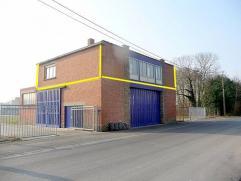 BUREEL  te huur  IZEGEM     op verdieping : kantoorruimte +/-150m2  .  695euro/mnd ook industriegrond+stapelruimtes te huur.zie 'on line' de