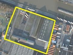 industrieterrein  +/- 2ha  met geïsoleerde opslagruimte +/-4200m2,  half-open opslagruimte +/- 3200m2, half-open gebouw +/-1500m2, gebouw met bur