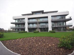 nieuwbouw appartement, volledig instapklaar geschilderd met een bewoonbare oppervlakte van 91,84 m² met groot terras (5,05/3,00) en privatieve tu