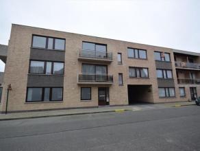 Net appartement gelegen op de tweede verdieping, bestaande uit inkomhal met gastentoilet, berging/stookplaats, woonkamer in mooie laminaat met terrasj