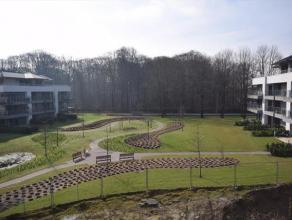 Domein 't EYCKENBOS, gelegen aan de rand van Sterrebos met grote gemeenschappelijke tuin waar u alle rust geniet !Dit appartement is gelegen op de twe