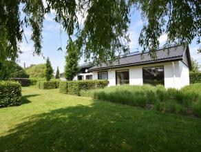 Rustig gelegen villa met open zicht en te zelfde tijd een vlotte verbinding tot de ring, centrum en E403, gelegen op 2098 m² en een bewoonbare op