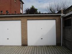GENTSESTRAAT IZEGEMGARAGE 30Recente garage, vlot bereikbaar.Traditioneel gemetste garage met uiterst gunstige ligging !Garage is onmiddellijk beschikb