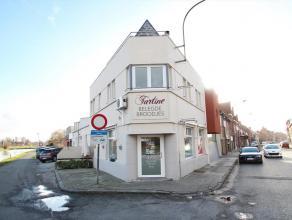 Gerenoveerde woning + handelsruimte met 3 slpks en zongericht terrasIndeling: Glv: winkel/handelsruimte (23m²) + apart toilet - aparte zij-ingang