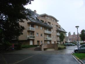 Miooi modern en rustig gelegen 2-slaapkamer appartement met zicht op groen. Instapklaar. Syndickosten 40 EURO. Garage 50 EURO. Onmiddellijk vrij.