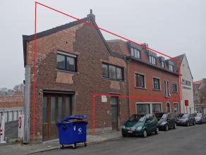 Centrum Ieper nabij Menenpoort. Ruim en zonnig appartement met 3slk, zonnig terras en garage.