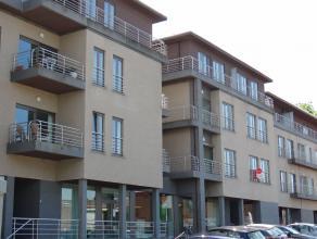 Centrum Ieper, rustig gelegen en modern appartement (2010) met veel lichtinval, vrij zicht op Ieper. Dubbele garage.