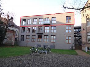 Centrum Ieper, Appartement met drie slaapkamers, ruime living met open keuken, terras en keukenberging, twee badkamers en private berging. Mogelijkhei