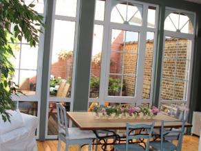 Proche de Dailly et du quartier européen magnifique maison en parfait état d'une superficie habitable de 260m². Elle se compose au