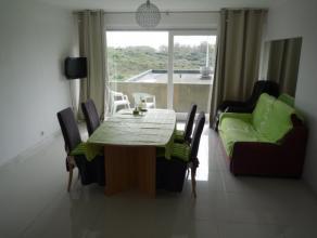 Dit appartement omvat: ruime inkom, living met zoning terras, nieuwe keuken, twee slaapkamers, badkamer met dubbele lavabo, ligbad en douche.