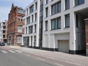 Dit prachtig appartement maakt deel uit van een nieuwbouwproject dat werd opgetrokken op de site van het voormalige Sint-Amanduscollege, in het hart v