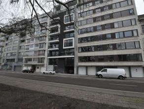 Studio 7.2 bevindt zich op de zevende verdieping. Deze studio/1-slaapkamerappartement heeft een bruto-oppervlakte van 51,57m² en een terras voora