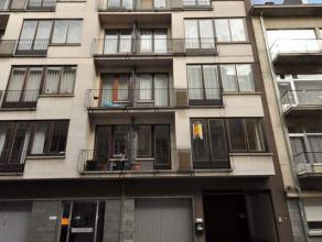 """Dit appartement, gelegen nabij het station Gent Sint-Pieters ligt op de 4de verdieping van de residentie ; """"Apollon"""". Het appartement heeft een opperv"""