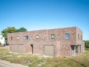 Nieuw te bouwen, VOLLEDIG AFGEWERKTE HOB, bestaande uit inkom, gastentoilet, living, keuken, berging, tuin, garage, 3 slaapkamers, badkamer, toilet. V