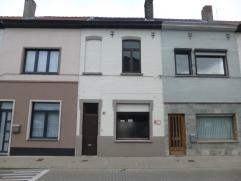 Comfortabele en degelijke woning met 2 slaapkamers, ruime zolder en volwaardige koer op een perceel van 80m² met vlotte verbinding via de Antwerp