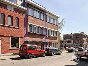 Deze statige burgerwoning met zonnige tuin kan worden gerenoveerd tot een parel! Dit is geen eigendom voor liefhebbers van nieuwbouw, want hier vindt