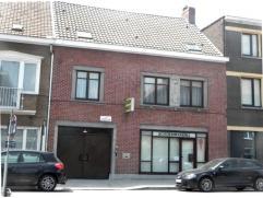 Grote gezins/praktijkwoning met tuin, garage en magazijn! bureel/praktijk, garage met doorrit nr de tuin/magazijn, grote living, keuken, 2de bureel, t
