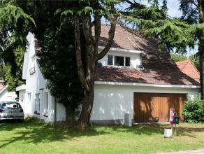 Goed gelegen woning te Mariakerke met een bewoonbare oppervlakte van 280m². Deze woning is zeer rustig gelegen in een cul de sac straat en heeft
