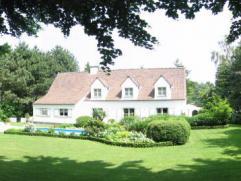 """TE KOOP in EVERGEM (""""Ter Venen"""" nabij Lembeekse bossen) : rustig gelegen, instapklare villa met zuidgerichte aangelegde tuin en zwembad op 1.967 m2. G"""