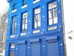 """TE HUUR te GENT : """"het Blauw Huys"""".Uniek handelspand met woonst gelegen op 50 meter van Graslei en Korenlei.Omvattende : op het gelijkvloers twee aane"""