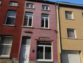 GENT- Unieke gezinswoning met 4 slaapkamers in loftstijl , gelegen in het centrum van Gent in de buurt van de Visserijvaart.Het gelijkvloers omvat een