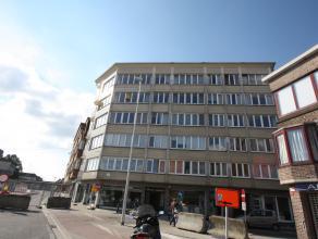 Ruim te renoveren appartement (4e verdieping), uitstekend gelegen op wandelafstand van het Gentse stadscentrum. Vlotte bereikbaarheid! Nabij het keize