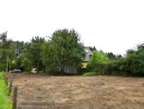 Dit gunstige gelegen stuk bouwgrond situeert zich in in een rustige dorpsstraat in Melsen (Merelbeke). Grondoppervlakte is 927m², met een perceel