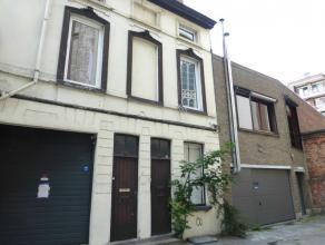 Gezellig huisje aan St Annaplein en Zuid! Dit huisje is gelegen in een doodlopend straatje in het centrum van Gent. Op wandelafstand van Zuid, openbaa