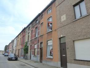Ruime woning met 4 slaapkamers! Deze comfortabele rijwoning is gelegen in een rustige straat aan de Muide op wandelafstand van openbaar vervoer, schol