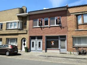 AANRADER !! Deze te renoveren burgerwoning (bouwjaar 1938) is gelegen in een rustige straat nabij het Sint-Pietersstation en heeft een bewoonbare oppe