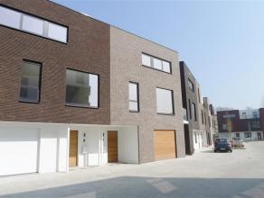 Gent - Nadine Crappéstraat: Kwalitatieve en ruime nieuwbouwwoning (200m²) met tuin en garage op goede locatie nabij invalswegen en centrum