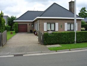 WONDELGEM, Helmkruidstraat 5 RUIME instapklare VILLA met 2 slaapkamers + ruime zolder ( mogelijk om hobbyruimte en/of slaapkamers bij te maken ), rust