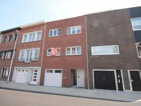 Mooie instapklare woning met 3 slaapkamers gelegen in een rustige omgeving met een vlotte verbinding met de R4 en openbaar vervoer, dichtbij supermark
