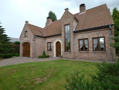 Exclusieve stijlvolle klasse villa(729m²) gelegen op een werkelijke droomlocatie in een oase van rust en groen en dit alles in een fantastische r