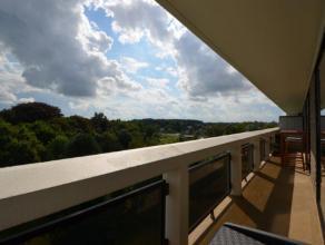 Adembenemend hip en trendy appartement overgoten met een werkelijke fantastische mooie lichtinval en een fenomenaal uitzicht omgeven door een oase aan