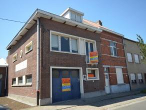 Grote stevige solide woning inclusief een formidabel magazijn(147m²)met ontvangstbureel in een toplocatie van Sint-Amandsberg, winkels, warenhuiz