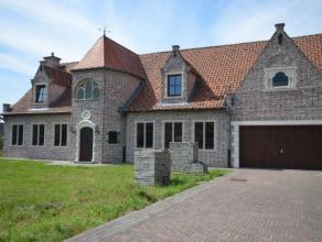 Karaktervolle Romantische villa met een uitzonderlijke stijlvolle uitstraling waar ruimte en potentieel geen loze woorden zijn dit op een prachtig dom