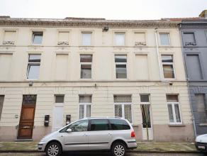 Subliem gelegen opbrengstwoning bestaande uit vier woon entiteiten aan de Kunstenaarstraat in Sint-Amandsberg, de gouden driehoek waar architecten en