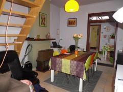 Volledig gerenoveerde rijwoning te Ledeberg Ideaal voor starters of studerende kinderen! Leefruimte met open, ingerichte keuken, een badkamer en 2 sla