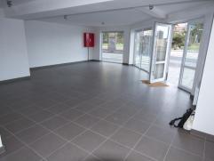 Nieuwe handelsruimte gelegen een TOP locatie op de hoek van de Kustlaan en de Kapitein Fryattstraat in Zeebrugge. Dit pand is ideaal voor uw kantoor m