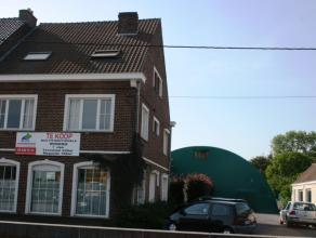 Multifuncionele woning met 7 slaapkamers aan het station van Drongen op een terrein van 2250m² met annexen (garage, kleedkamers en kantine voor e