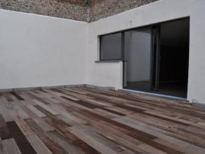 A deux pas de La CEE et du Square Ambiorix - Très beau duplex/maison arrière au calme entièrement rénové en 2011! I