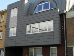 Interessant gelegen zeer mooi afgewerkt heel recent nieuwbouw appartement op 1 verdieping aan de rechterkant van het gebouw met super groot terras (16