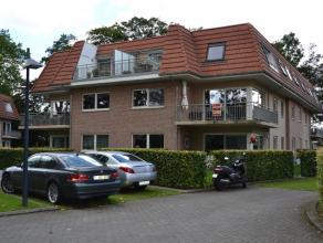 Residentieel en in afgesloten privé domein gelegen ruim appartement op de eerste verdieping.Dit appartement is gelegen in middelste