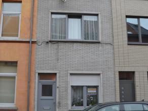 Gezellige instapklare woning met 4 slaapkamers Deze woning op 58 m² heeft nieuwe ramen en cv. De keuken en het sanitaire zijn zeker nog bruikbaar